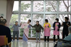 花見2階踊り